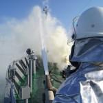 Гасене на пожар на кораб